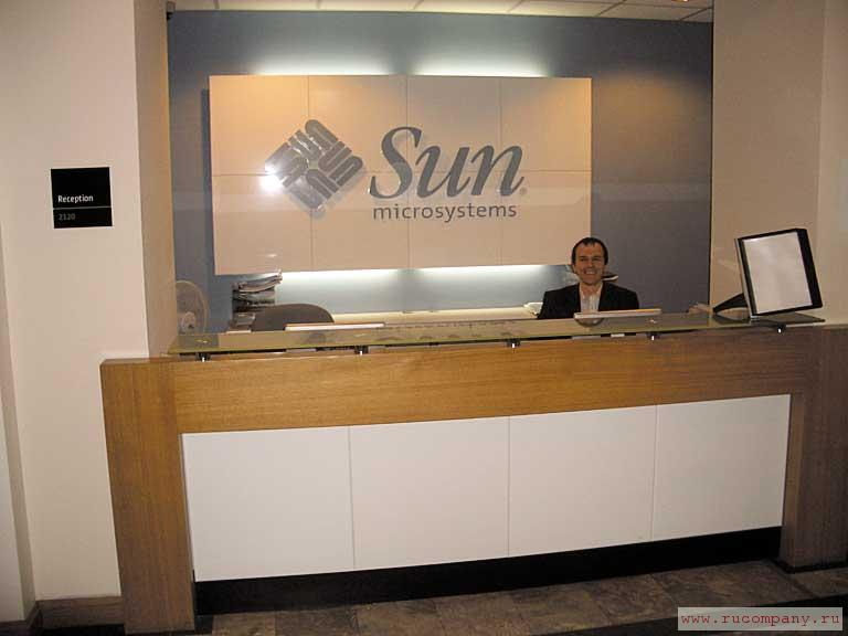 sun micr Abstract with 30,000-plus employees located in 100 countries around the world, sun microsystems is a leading provider of industrial-strength hardware, software and services.